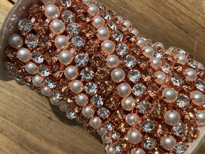 6mm (SS28) Rosegold, pearls & crystal (Rosegold cups)