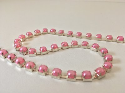 6mm (SS28) parels roze (zilveren cups)